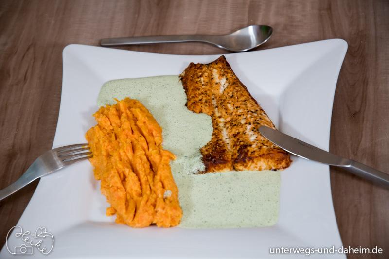 Rezept Fisch mit grüner Soße und Süßkartoffelpüree, besser schmeckt es mit schönem Besteck von PURESIGNS